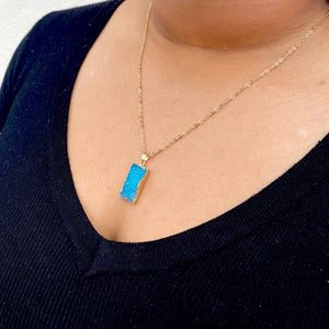 Crystal Stone Pendant Necklace in Blue
