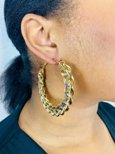 Load image into Gallery viewer, Large chain earrings in Gold