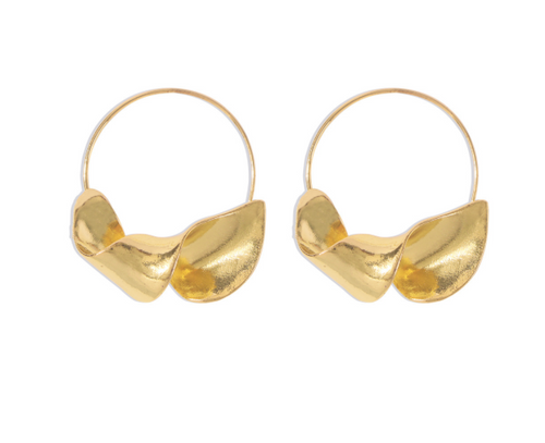 Twisted Earrings in Gold