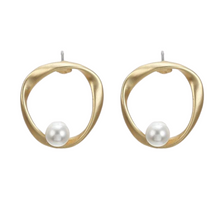 Load image into Gallery viewer, Irregular Round Pearl Earrings in Gold