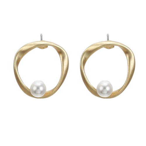 Irregular Round Pearl Earrings in Gold