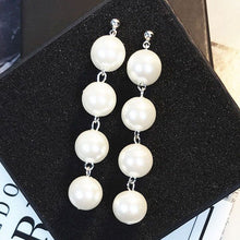 Load image into Gallery viewer, Pearl Drop Earring in Silver