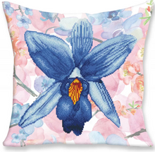 Load image into Gallery viewer, Sparkle Garden Blue (Cushion)