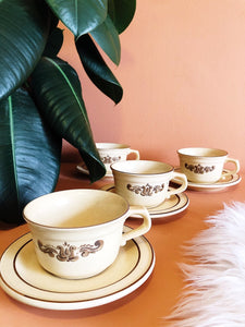 1970's pealtzgraff village tea set