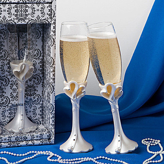 Interlocking Hearts Wedding Day Champagne Flutes 2400