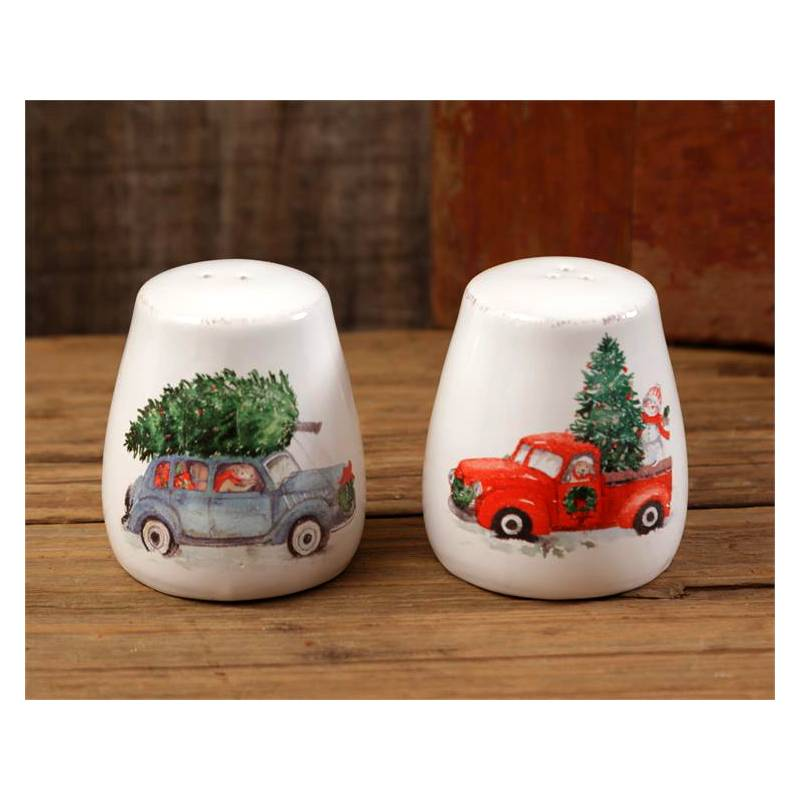 Winter Farmhouse Christmas Salt and Pepper Shakers 7PT1072