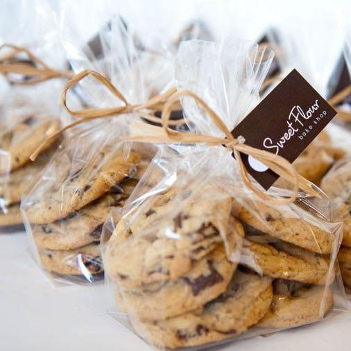 multiple bags of 6 mini cookie gift bags