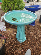 Load image into Gallery viewer, Decorative Bird Baths