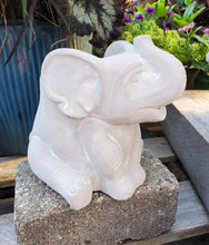 Load image into Gallery viewer, Elephant Planters