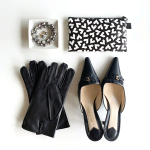 "Flat Pouch ""Dancing HEARTs"" _ Black and White"