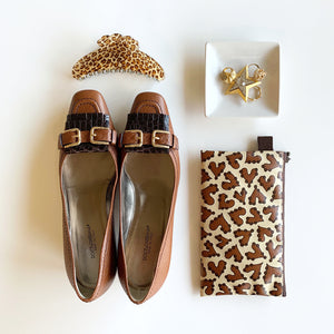 "Flat Pouch ""HEARTic Leopard"" _ Chocolate Beige"