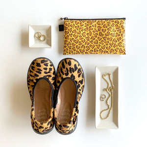 "Flat Pouch ""HEARTic Leopard"" _ Golden Yellow"