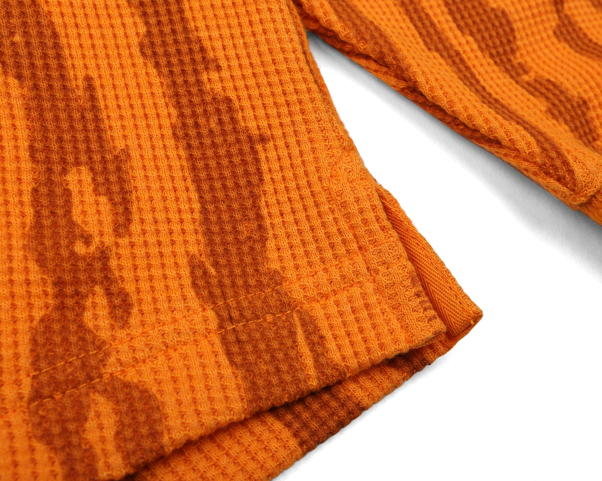 BARK CAMO WAFFLE KNIT L/S T-SHIRT - ORANGE