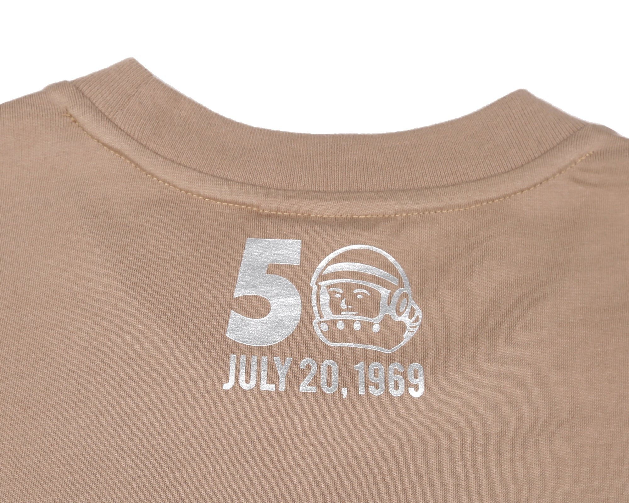 FOIL ANNIVERSARY GRAPHIC T-SHIRT - SAND