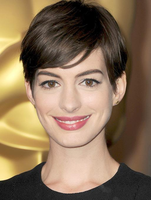 Anne Hathaway wearing the Diamond Edge Disc Studs
