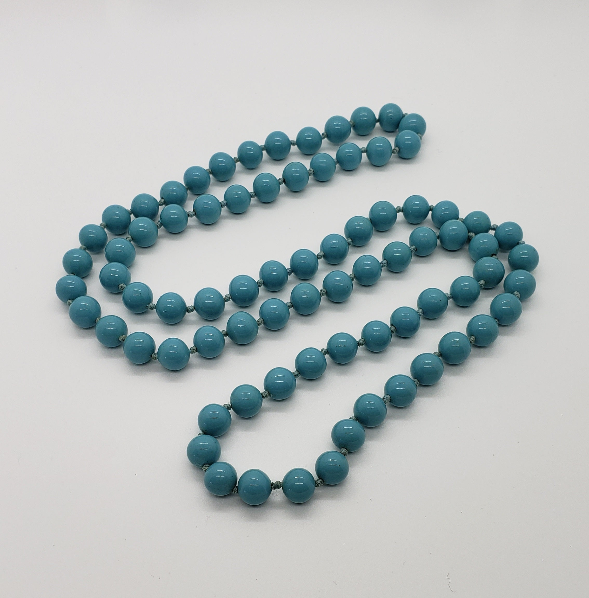 "34"" Glass Turquoise Hand Knotted 8mm Beads - Macomb County ReStores"