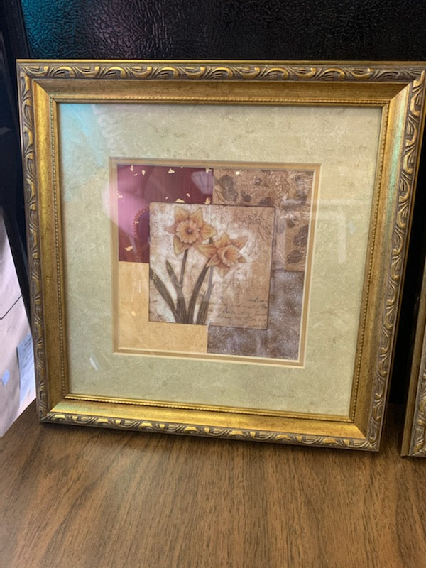 Pair of Floral Prints - Macomb County ReStores