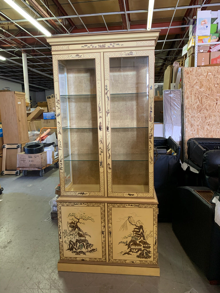 Lighted Drexel China Cabinet - Macomb County ReStores