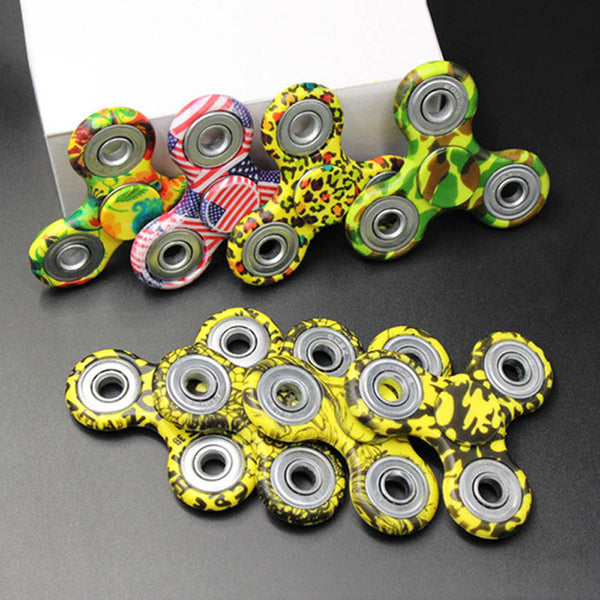 100pcs/lot DHL Free Shipping Finger Tri Hand Fidget Spinner Lot Stres Caiki Handspinner Figit Figet Spinner Toy Game Beyblade