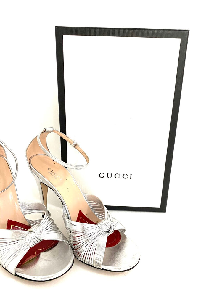 Load image into Gallery viewer, GUCCI Metallic Leather Sandal Sz 39