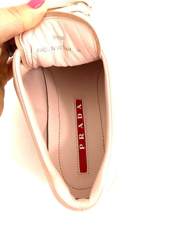 Load image into Gallery viewer, PRADA Trainers Sz 39
