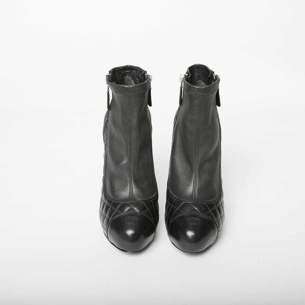 Chanel leather ankle boot Sz 39 (small fit suited to a 38)