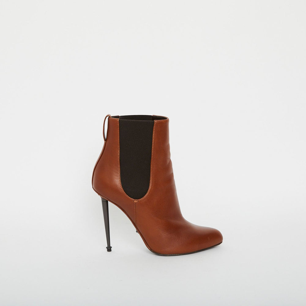TOM FORD leather ankle boots Sz 38