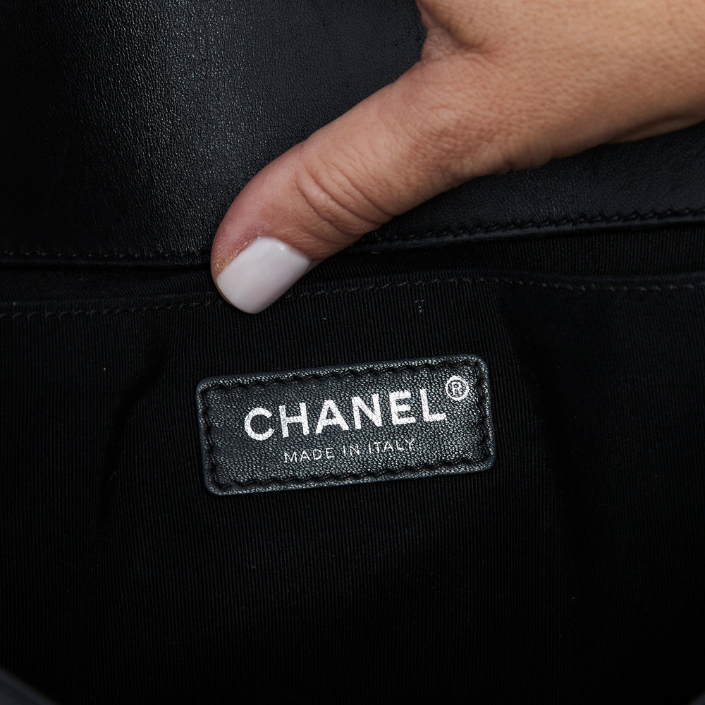 Load image into Gallery viewer, Chanel Old Medium Boy Bag