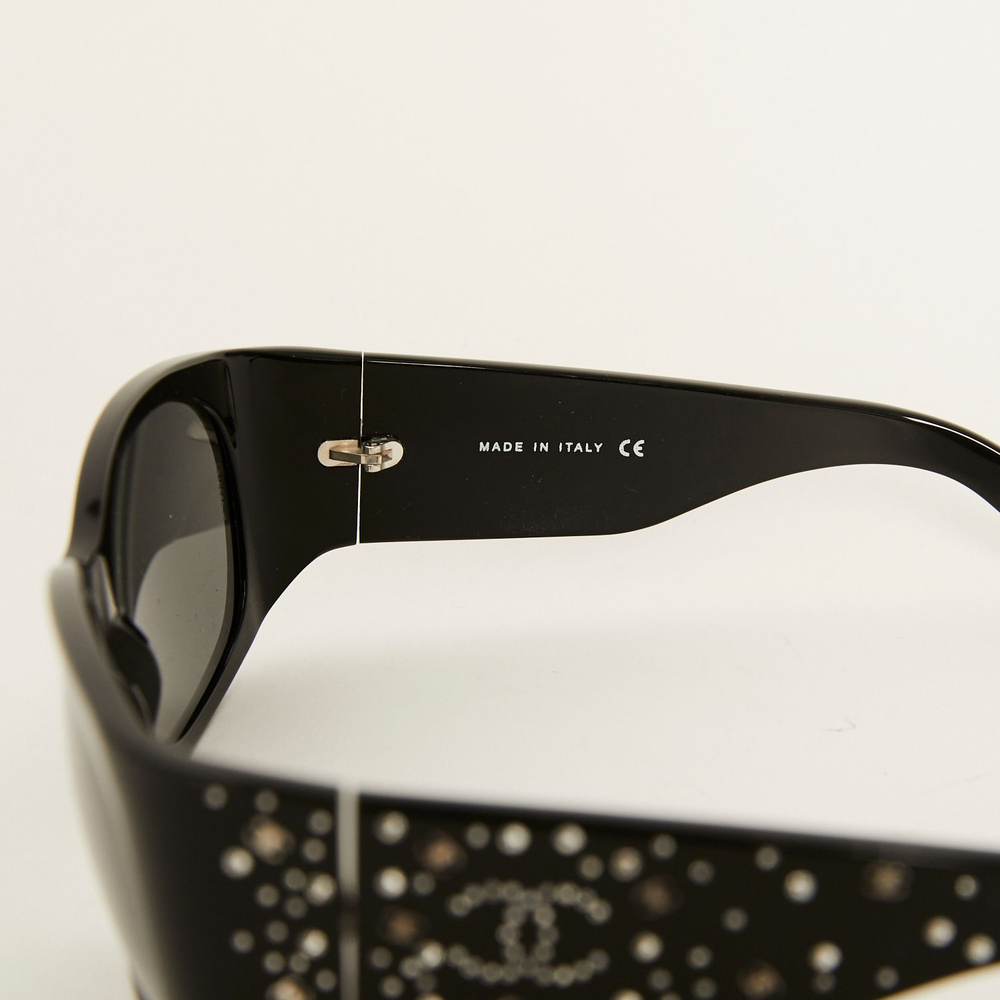 Load image into Gallery viewer, CHANEL Logo Crystal embellished sunglasses