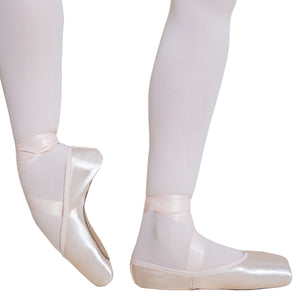 Load image into Gallery viewer, Energetiks First Pointe Shoe
