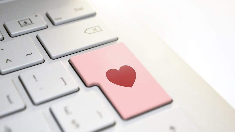 Pandemic-time Online Dating Could Cause a Future Spike in Serious Relationships | Friend Lamps