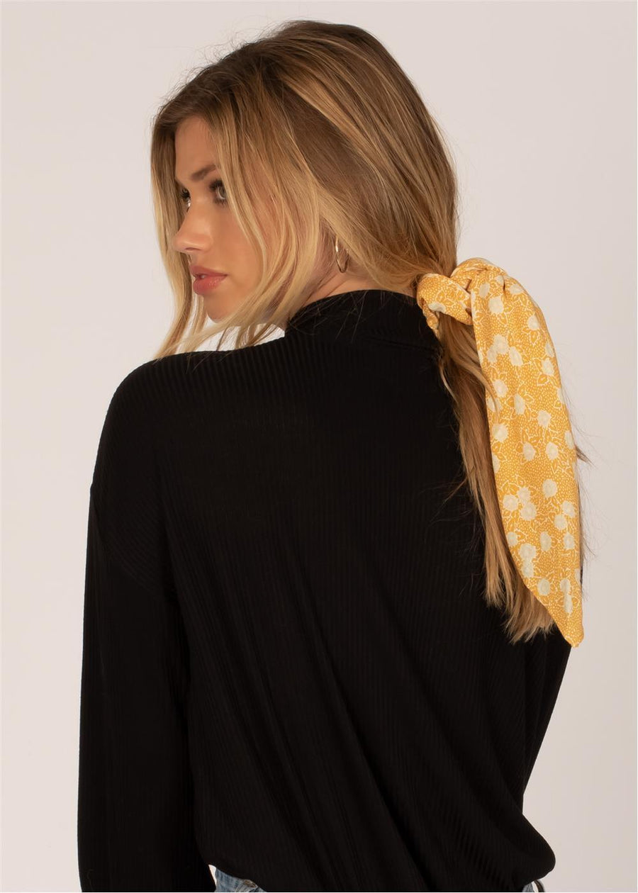UP AND BACK SCRUNCHIE WNV SCARF-GLD