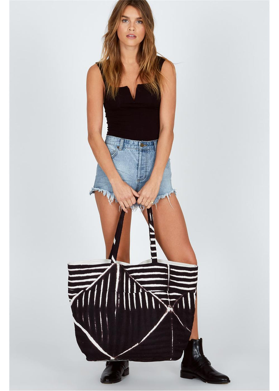 BEACH BREAK TOTE-BLK