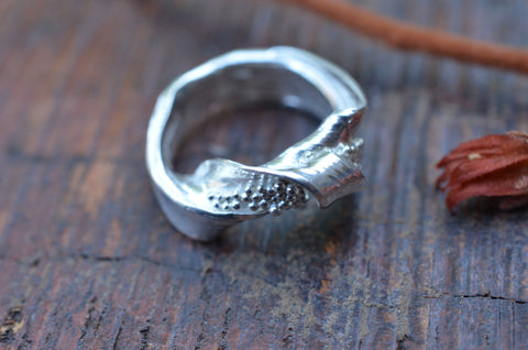 Twisted Sea Wave Ring. Size R.