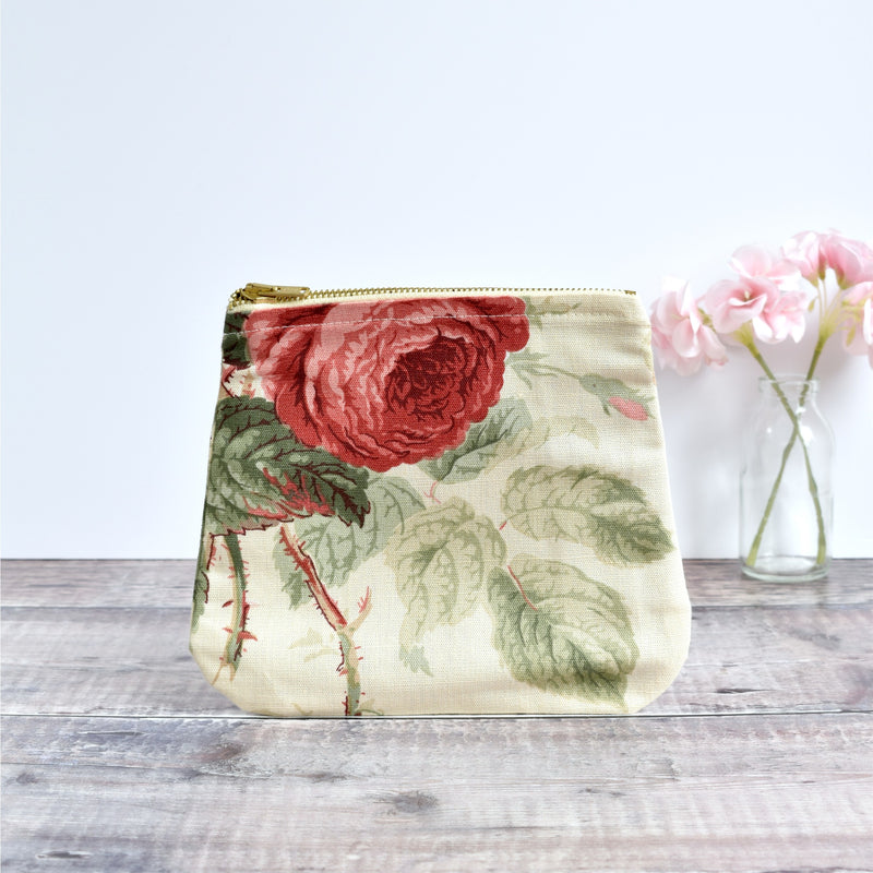 Zip pouch -  cream floral vintage fabric pouch