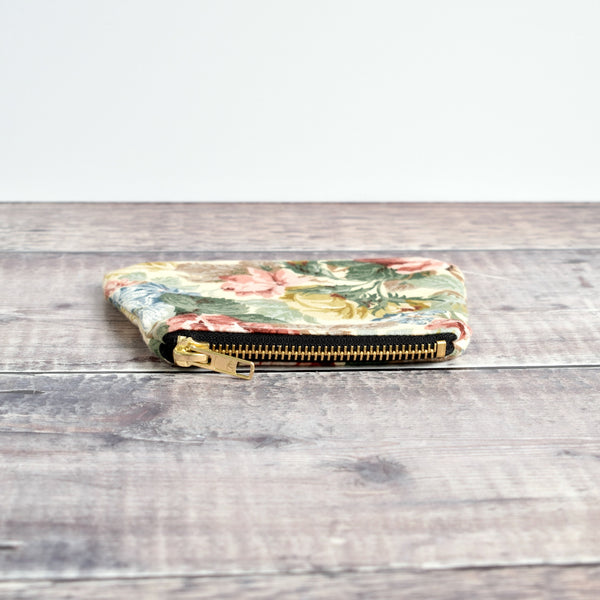 Coin purse made from cream vintage floral fabric handmade by Stitch Galore