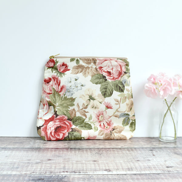 Large vintage fabric pouch, washbag, make-up bag made from cream Sanderson floral vintage fabric handmade by Stitch Galore