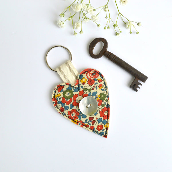 Embroidered heart keyring, heart keychain with red fabric handmade by Stitch Galore