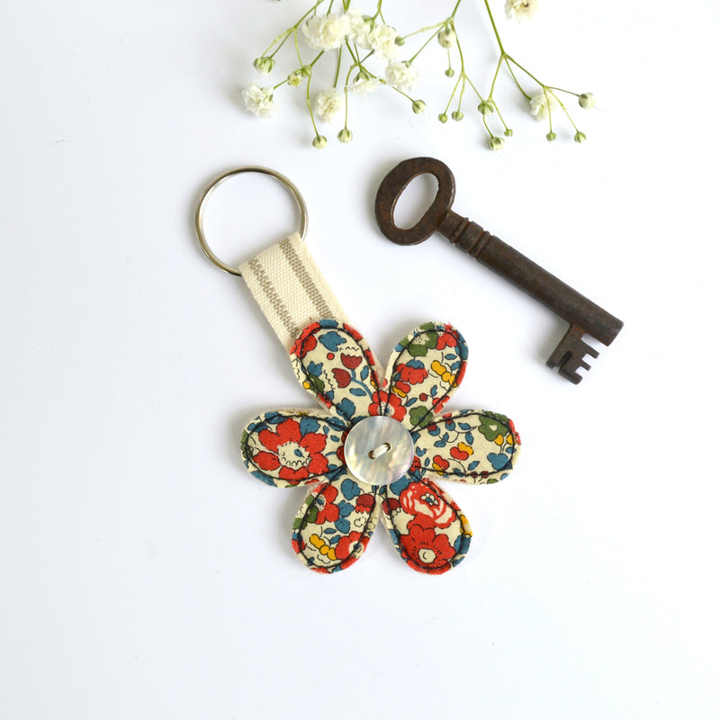 Embroidered flower keyring, flower keychain with red fabric handmade by Stitch Galore