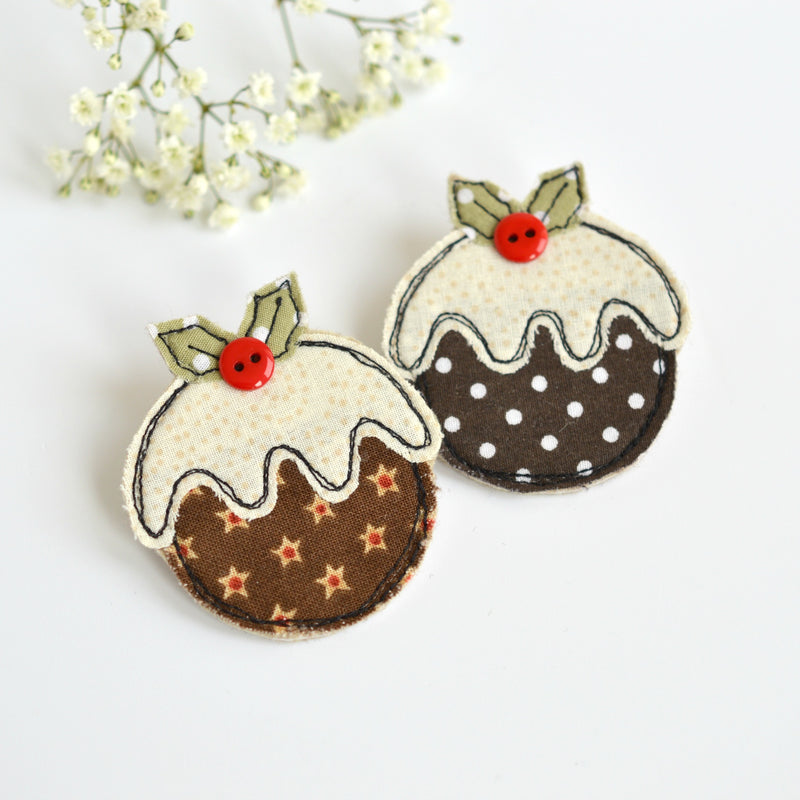 Sewn Christmas Pudding badge, Fabric Christmas pudding brooch handmade by Stitch Galore