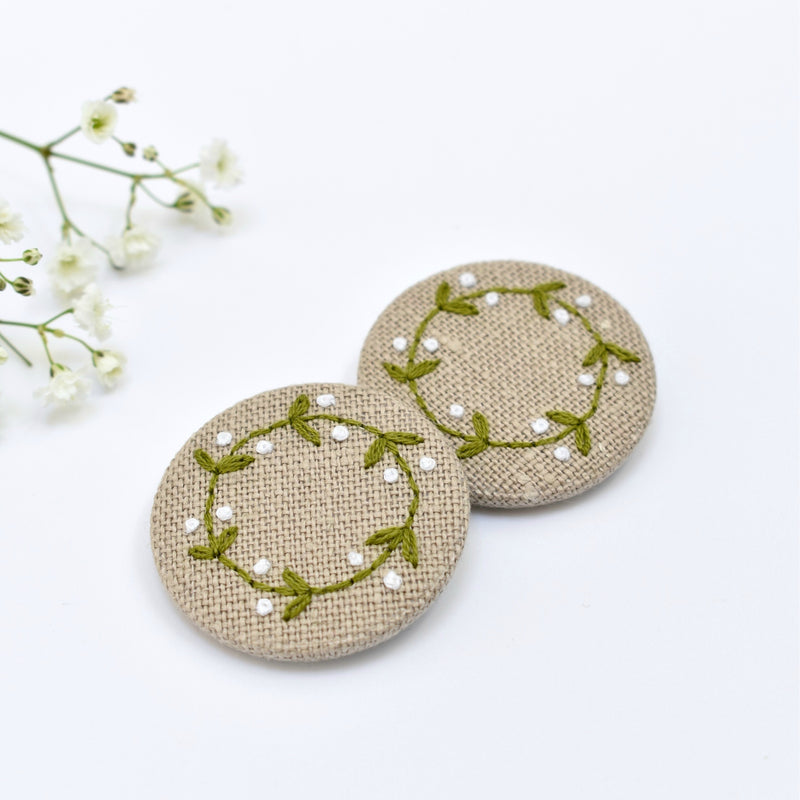 Mistletoe badge, embroidered badge handmade by Stitch Galore