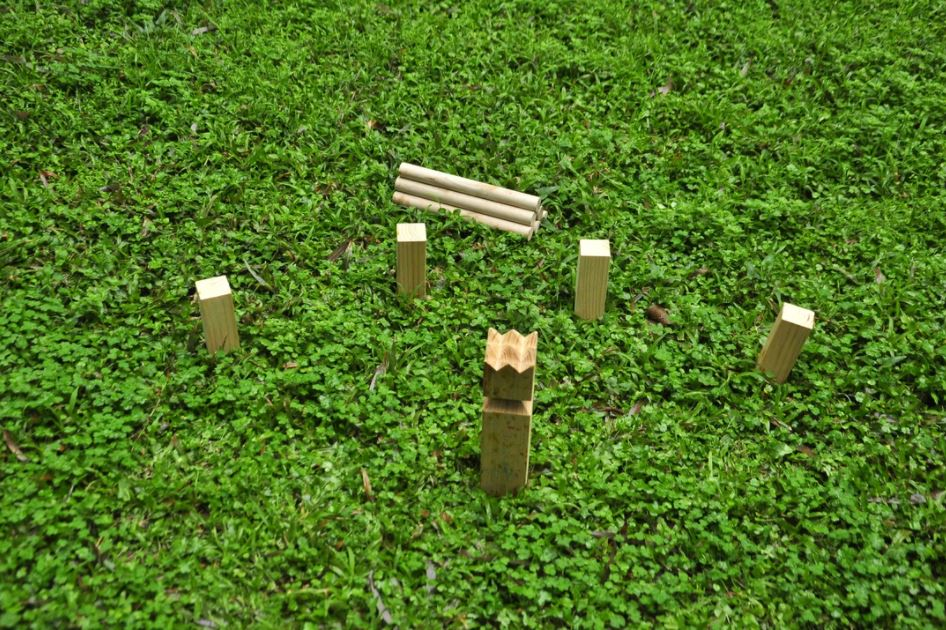 Easy Days - Wooden Kubb