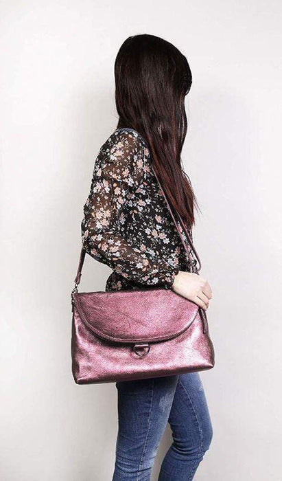 Lady wearing shoulder bag