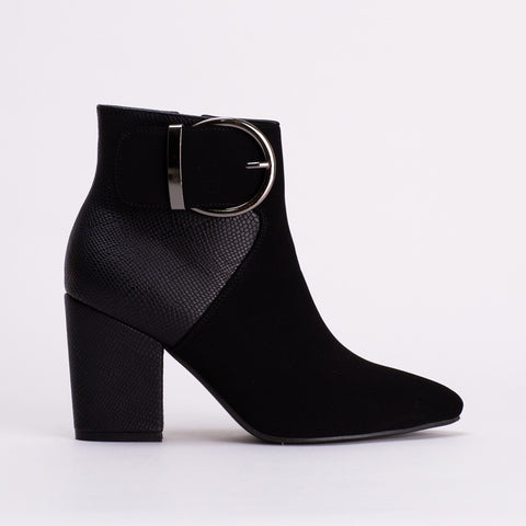 Pointy Buckle Boot _ 108848