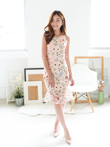 Botany Printed Mermaid Lace Dress in Peach