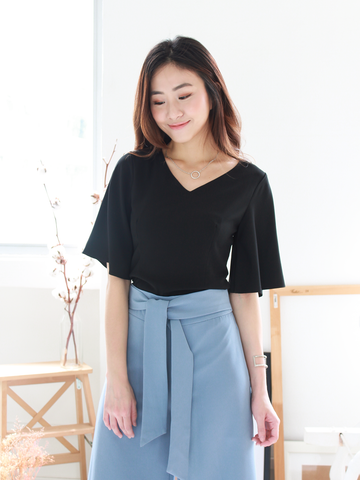 Jex Fluttersleeve Top in Black
