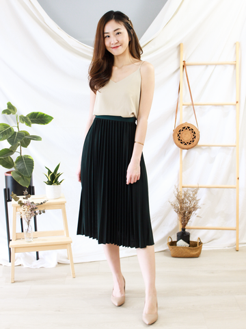 Kaia Pleated Skirt In Forest