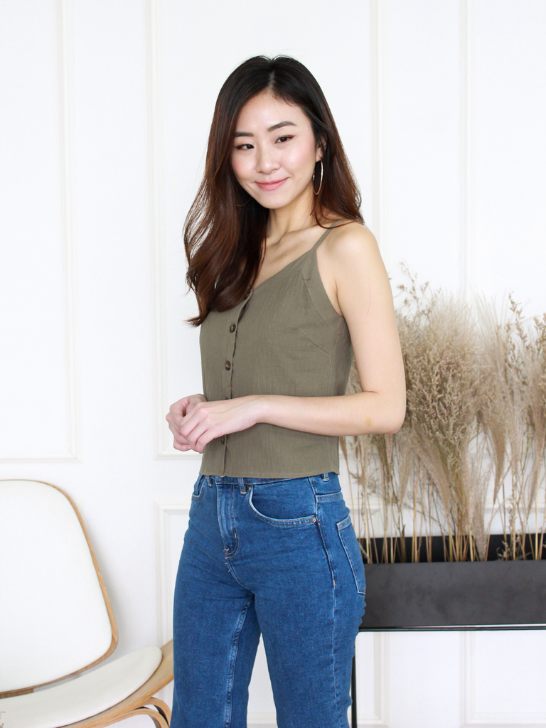 Mizuki Linen Button-Down Top in Olive