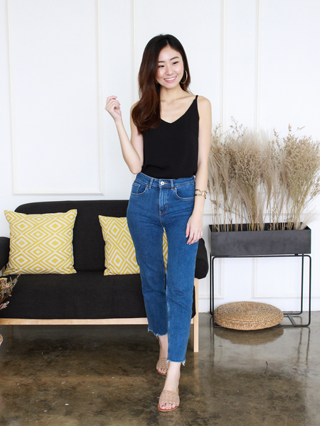 Nate V-neck Basic Top in Black