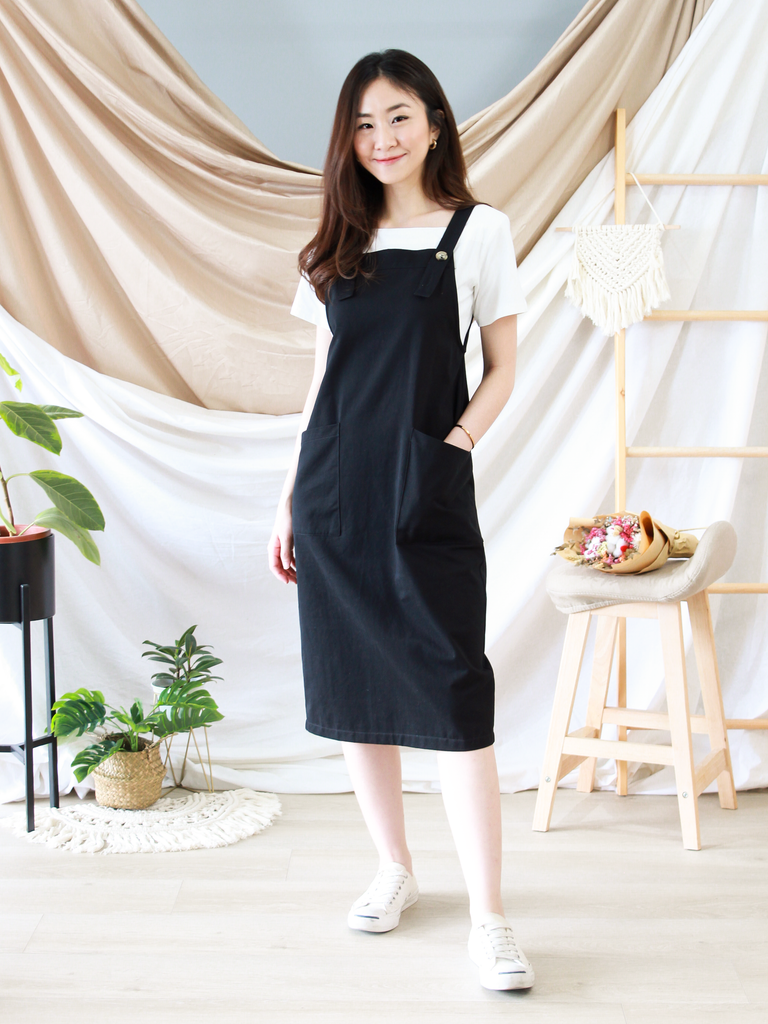 Mae Pinafore Dress In Black